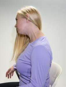 losa-2083-01_blog_KaraYoga-neck-rolls